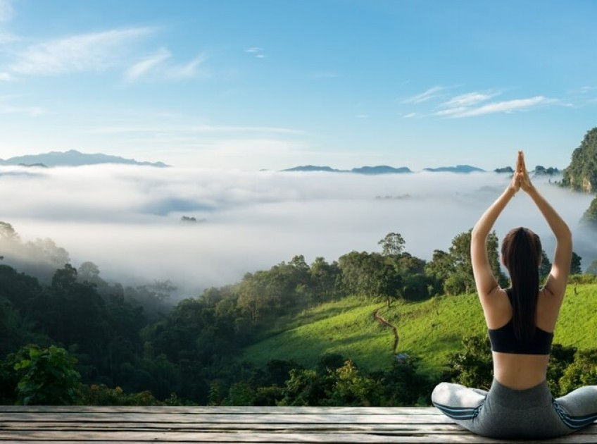 7 Excellent Benefits Of Parvatasana (Mountain Pose )